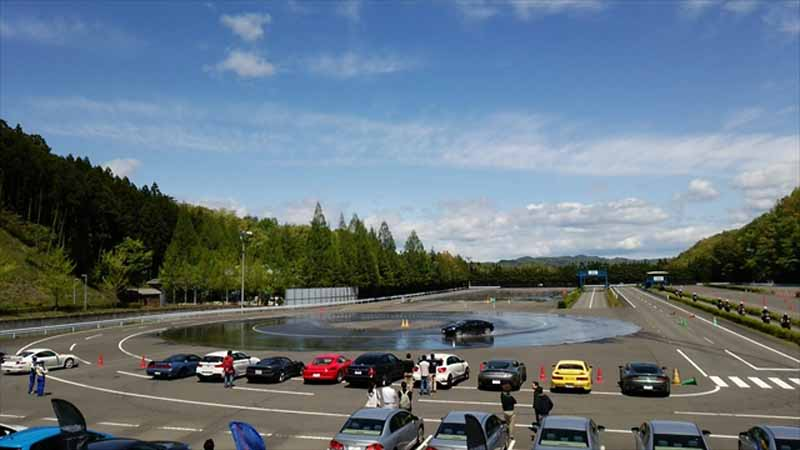 atlantic-cars-racing-skills-training-was-held-symbol20160503-1