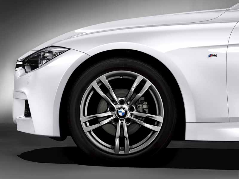 bmw-launched-a-new-generation-diesel-limited-edition-celebration-edition-style-edge20160519-7