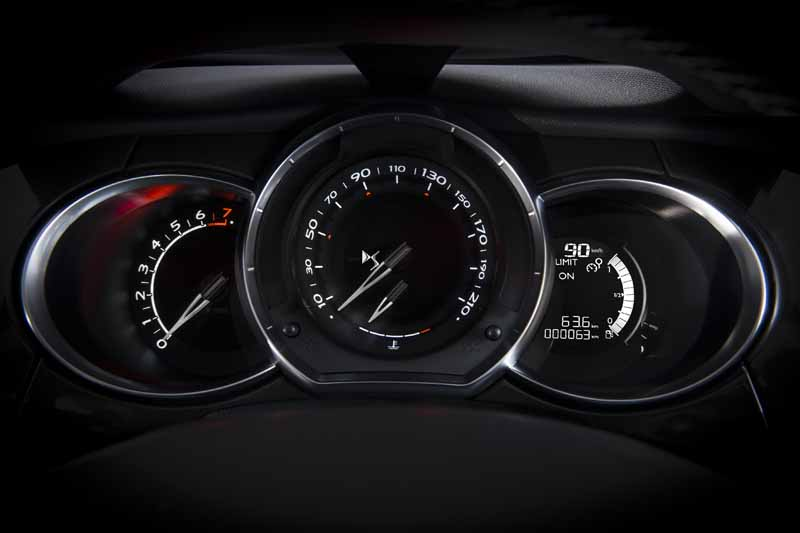 citroen-japon-start-launched-the-new-ds3-ds3-cabrio20160525-6