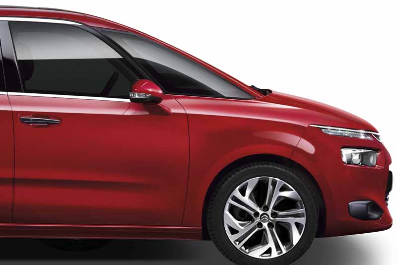 citroen-special-specification-car-c4-picasso-exclusive-plus-released20160523-10