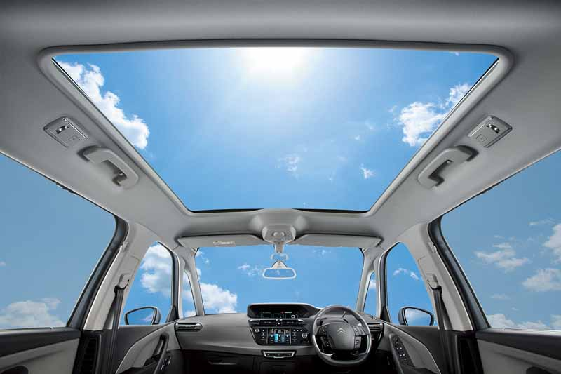 citroen-special-specification-car-c4-picasso-exclusive-plus-released20160523-5