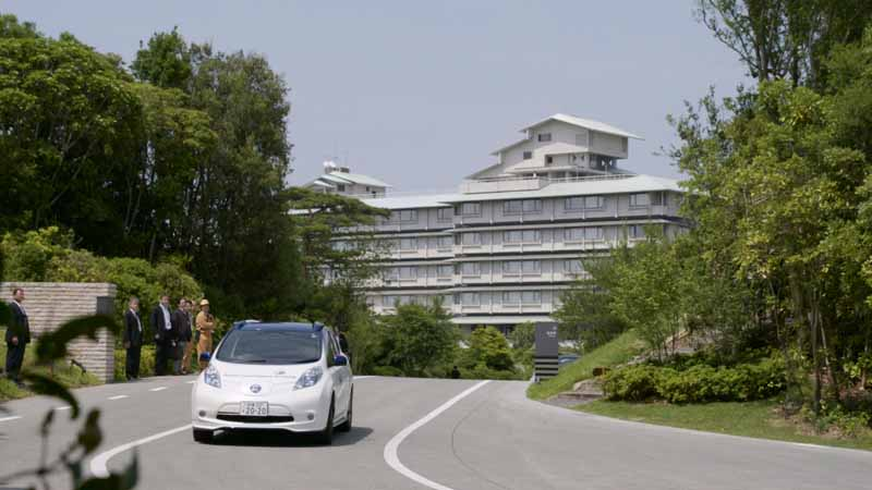 domestic-automobile-manufacturers-three-companies-provides-automatic-operation-vehicles-such-as-the-ise-shima-summit20160526-13