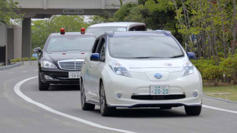 domestic-automobile-manufacturers-three-companies-provides-automatic-operation-vehicles-such-as-the-ise-shima-summit20160526-15