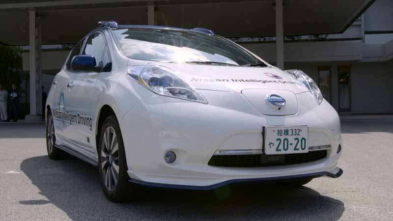 domestic-automobile-manufacturers-three-companies-provides-automatic-operation-vehicles-such-as-the-ise-shima-summit20160526-16