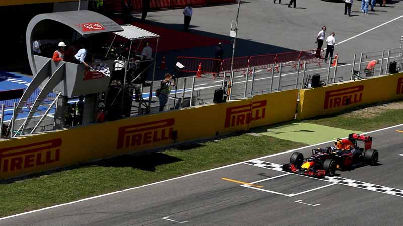 f1-spain-gp-finals-fell-sutta-pen-is-the-youngest-winner-at-the-age-of-18-mercedes-self-defeating-alonso-retired20160516-31