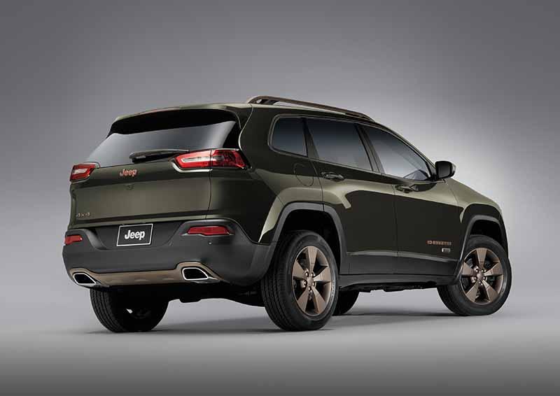 fca-japan-limited-jeep-75th-anniversary-3-model-sales-start20160501-23