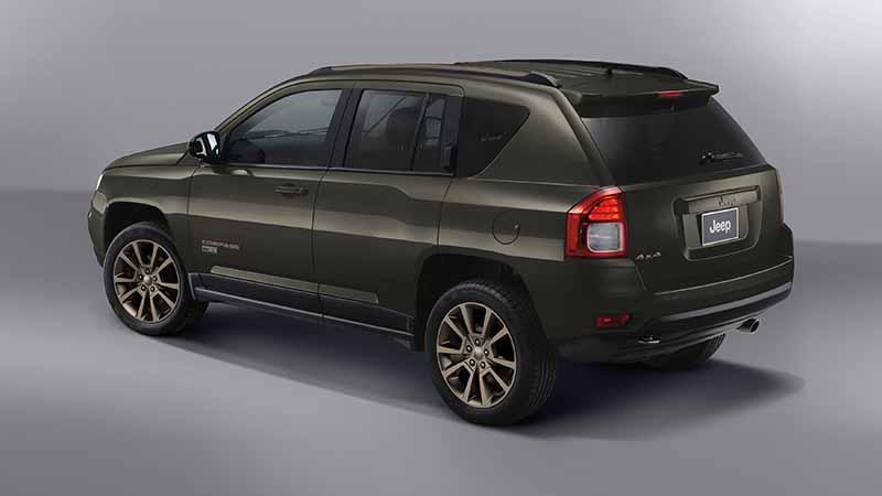 fca-japan-limited-jeep-75th-anniversary-3-model-sales-start20160501-50
