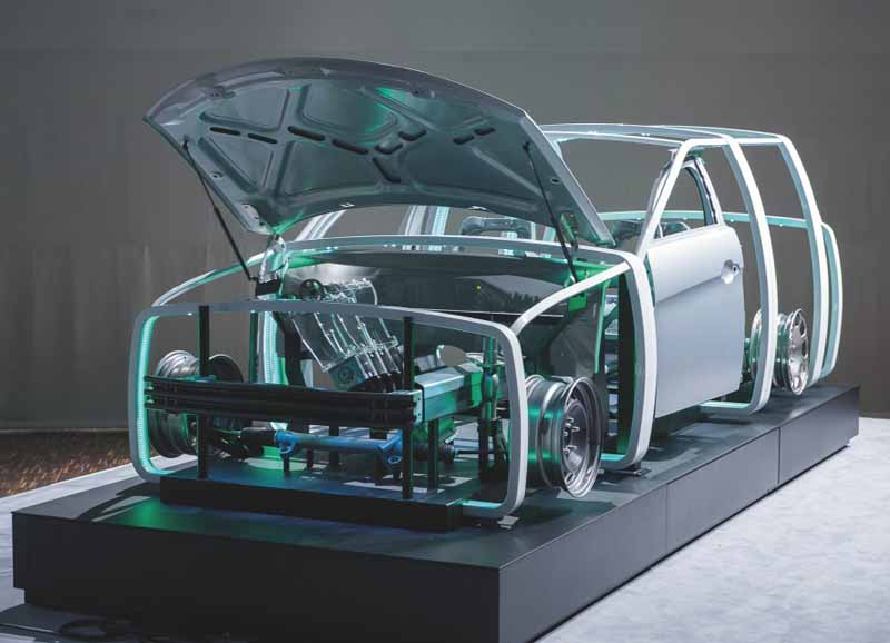 germany-and-steel-giant-exhibited-at-the-technology-exhibition-2016-of-the-people-and-the-car-in-the-new-technology-area20160526-1