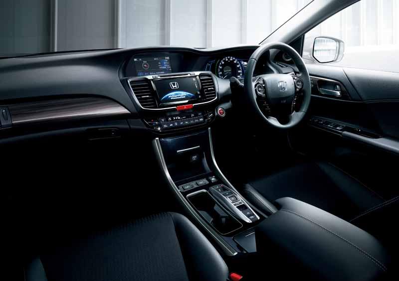 honda-launched-the-new-sedan-accord-accord20160526-8