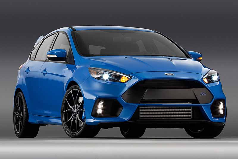 it-elected-a-ford-focus-rs-in-the-car-of-the-year-of-the-british-magazine-vdi-2016-years20160508-18