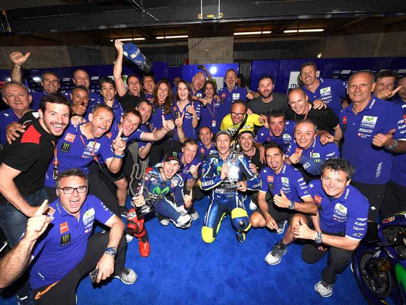 motogp-round-5-france-emerged-as-championship-leader-lorenzo-in-the-second-victory-this-season-podium-suzuki-8-years20160512-1