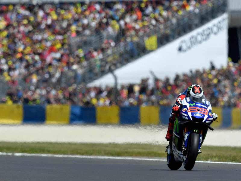 motogp-round-5-france-emerged-as-championship-leader-lorenzo-in-the-second-victory-this-season-podium-suzuki-8-years20160512-10