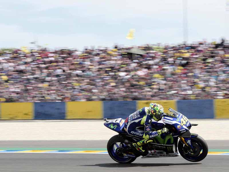 motogp-round-5-france-emerged-as-championship-leader-lorenzo-in-the-second-victory-this-season-podium-suzuki-8-years20160512-6