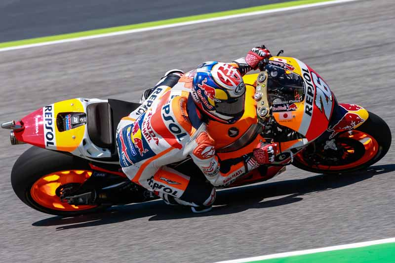 motogp-round-6-italy-lead-runaway-lorenzo-is-in-season-3-win-narrow-margin-in-second-place-marquez20160523-14