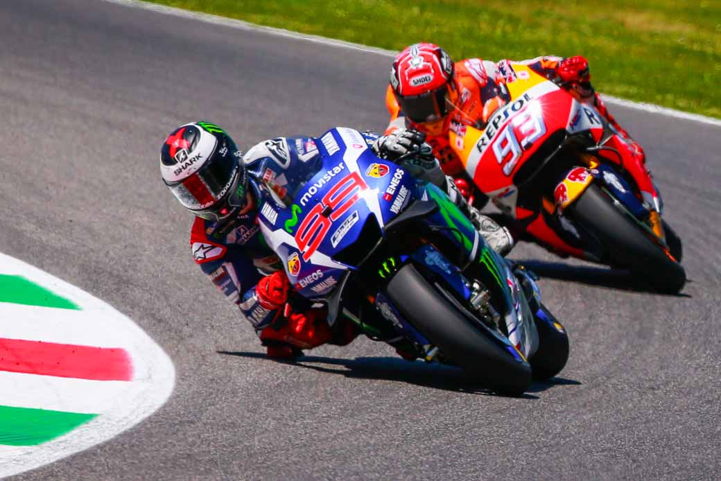 motogp-round-6-italy-lead-runaway-lorenzo-is-in-season-3-win-narrow-margin-in-second-place-marquez20160523-5