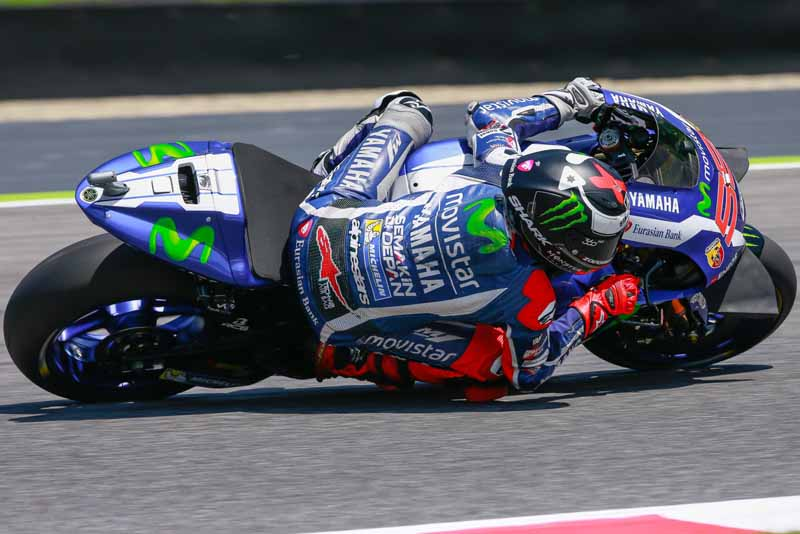 motogp-round-6-italy-lead-runaway-lorenzo-is-in-season-3-win-narrow-margin-in-second-place-marquez20160523-8