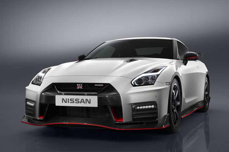 nissan-motor-co-ltd-nissan-gt-r-nismo-unveiled-the-2017-model-year20160527-11