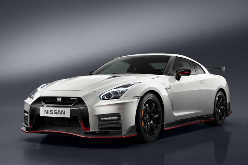 nissan-motor-co-ltd-nissan-gt-r-nismo-unveiled-the-2017-model-year20160527-12