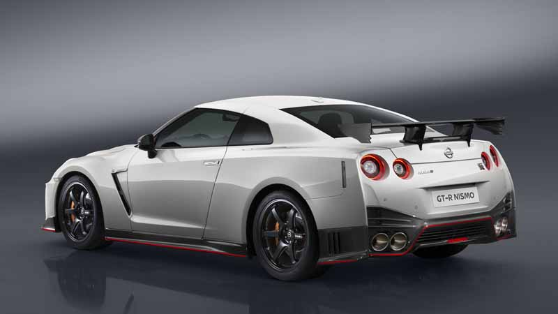 nissan-motor-co-ltd-nissan-gt-r-nismo-unveiled-the-2017-model-year20160527-8