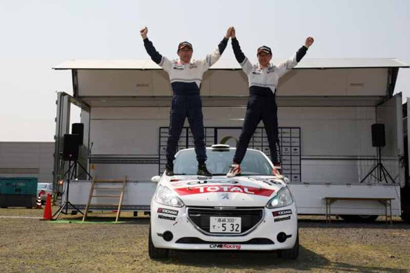 peugeot-208-r2-won-the-first-victory-in-the-third-round-of-the-all-japan-rally-championship20160525-3