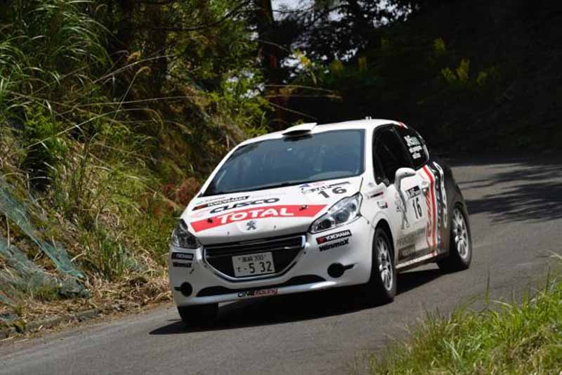 peugeot-208-r2-won-the-first-victory-in-the-third-round-of-the-all-japan-rally-championship20160525-4