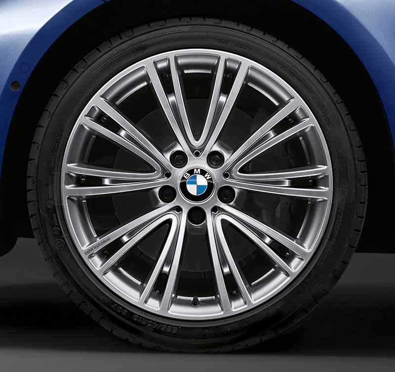 phv-equipped-of-bmw3-series-limited-edition-330e-celebration-edition-is-released20160531-3