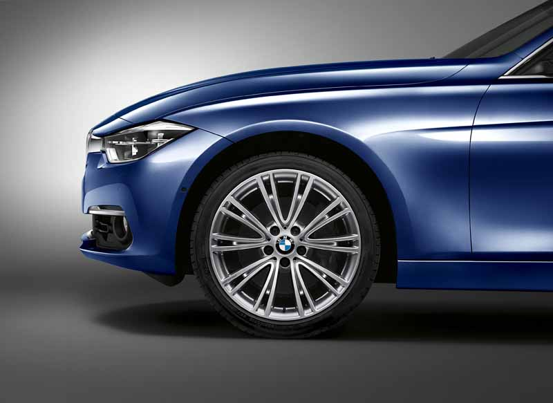 phv-equipped-of-bmw3-series-limited-edition-330e-celebration-edition-is-released20160531-4