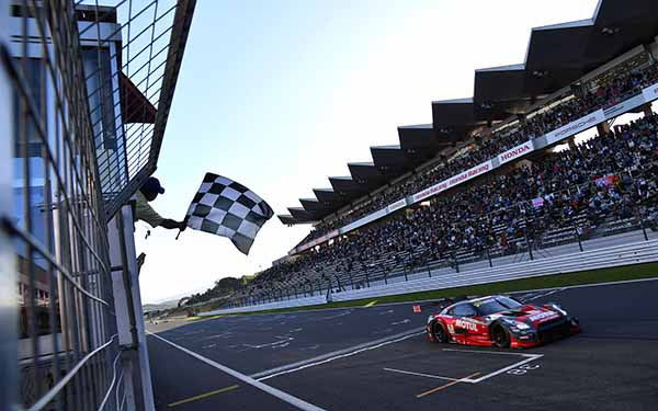 super-gt-round-2-fuji-motul-autech-gt-r-is-reverse-2-game-winning-streak20160505-5
