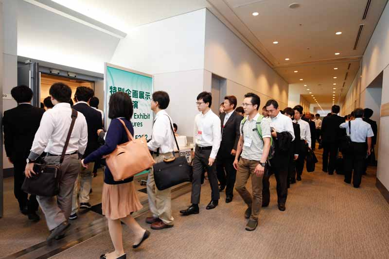 technology-exhibition-2016-opening-of-automotive-technology-exhibition-people-and-vehicles-the-first-time-in-japan-the-worlds-first-public-technology-one-after-another20160525-3