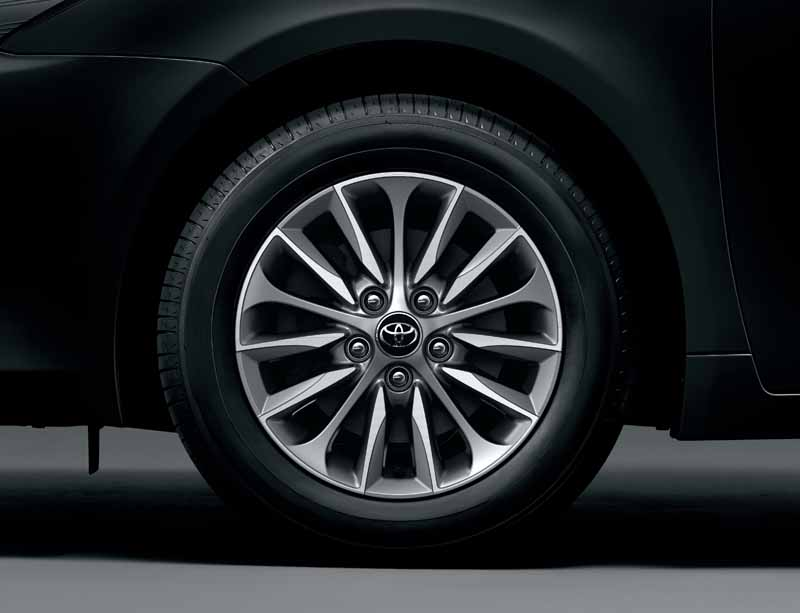 toyota-improved-some-of-the-avensis-standard-16-inch-aluminum-wheels-of-cutting20160518-2