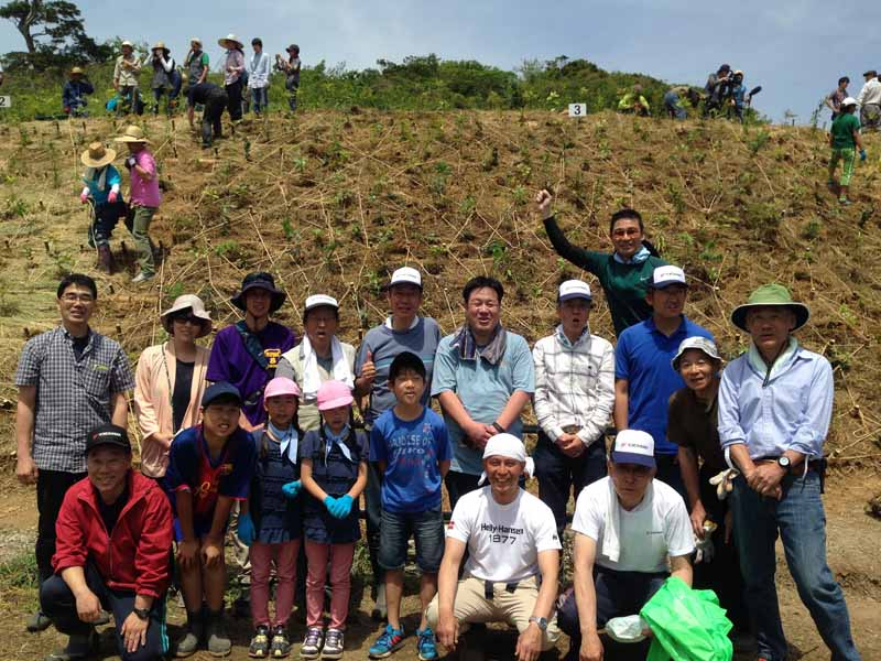 yokohama-rubber-provide-seedlings-to-tree-planting-ceremony-in-the-forest-of-shonan-village-tour20160513-2