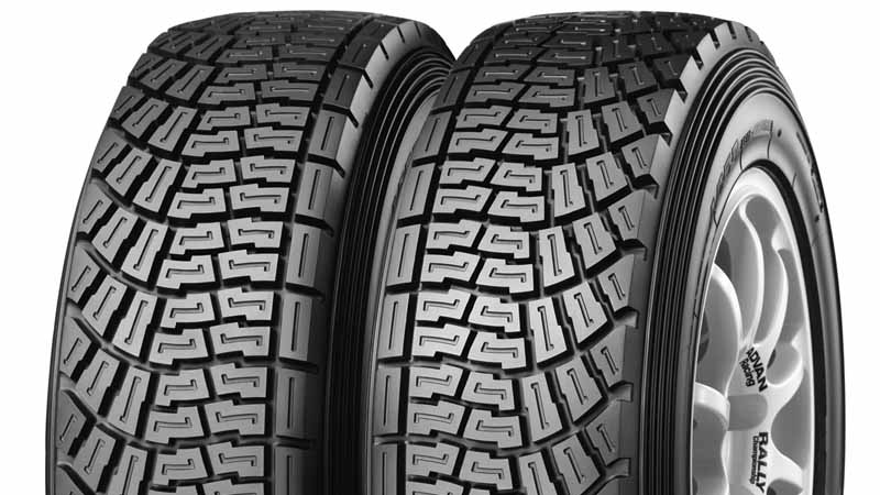 add-a-new-size-to-the-yokohama-rubber-radial-tire-for-larry-dirt-trial-advan-a05320160607-1