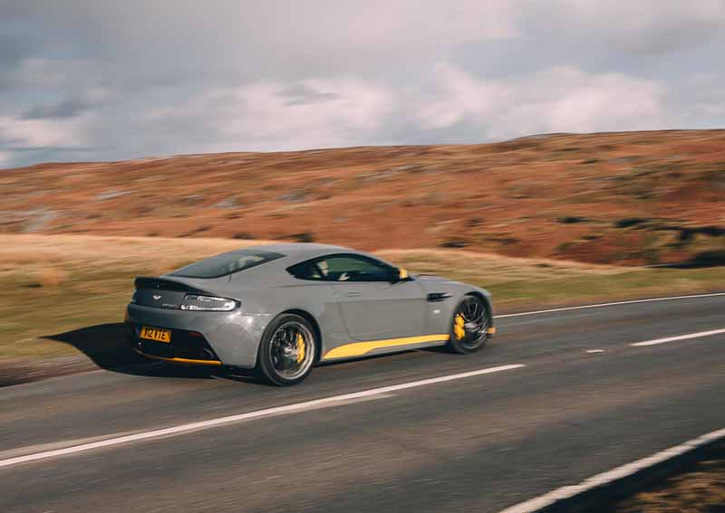 aston-martin-v12-vantage-s-manual-transmission-specification-released20160601-4