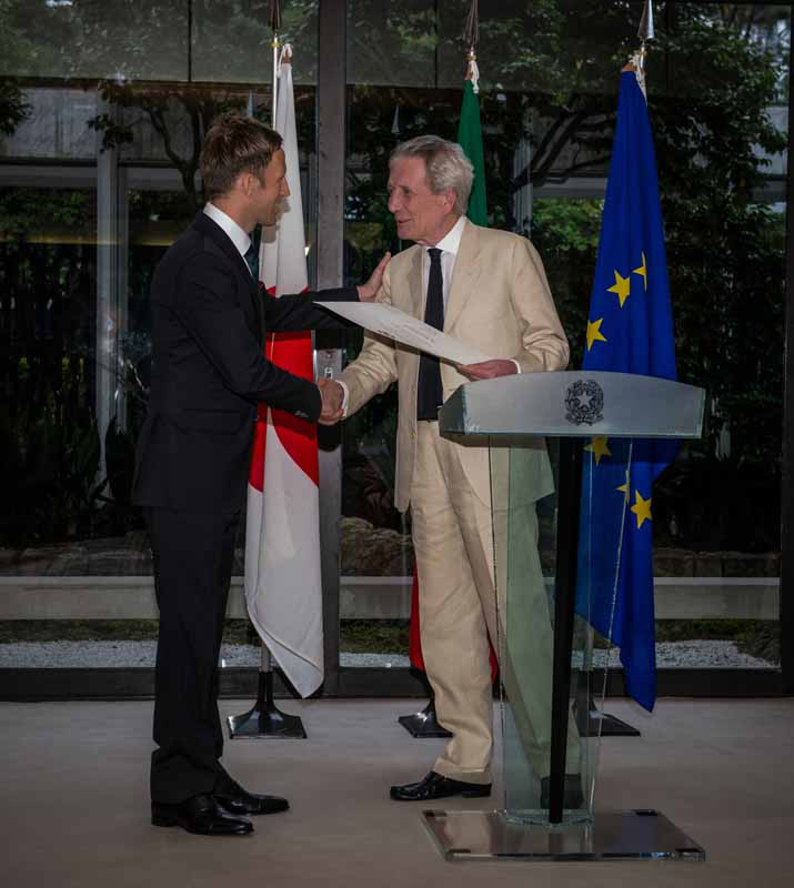 awarded-the-quintarelli-players-italian-republic-medal-of-super-gt20160523-5
