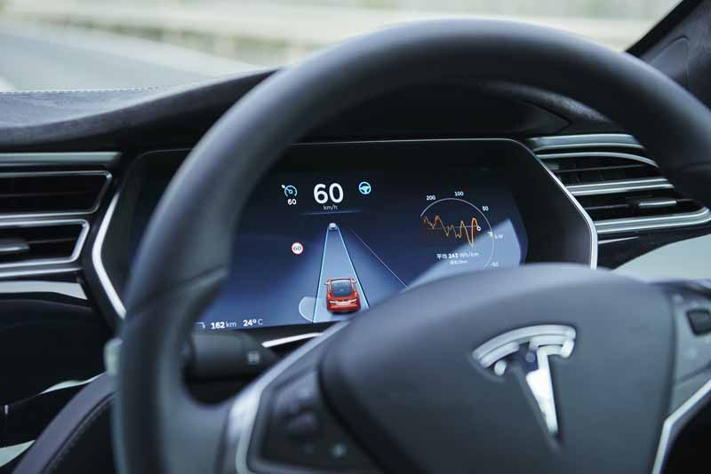 enika-tesla-model-s-free-1-day-test-drive-right-and-special-party-invitation-campaign-of-automatic-operation-featured20160601-2
