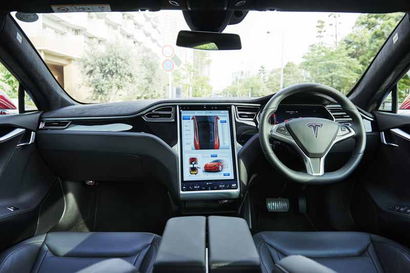 enika-tesla-model-s-free-1-day-test-drive-right-and-special-party-invitation-campaign-of-automatic-operation-featured20160601-3