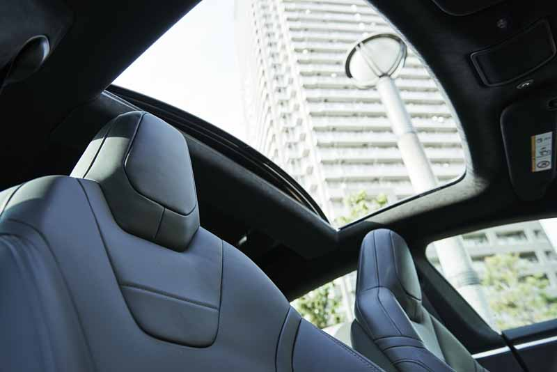 enika-tesla-model-s-free-1-day-test-drive-right-and-special-party-invitation-campaign-of-automatic-operation-featured20160601-6