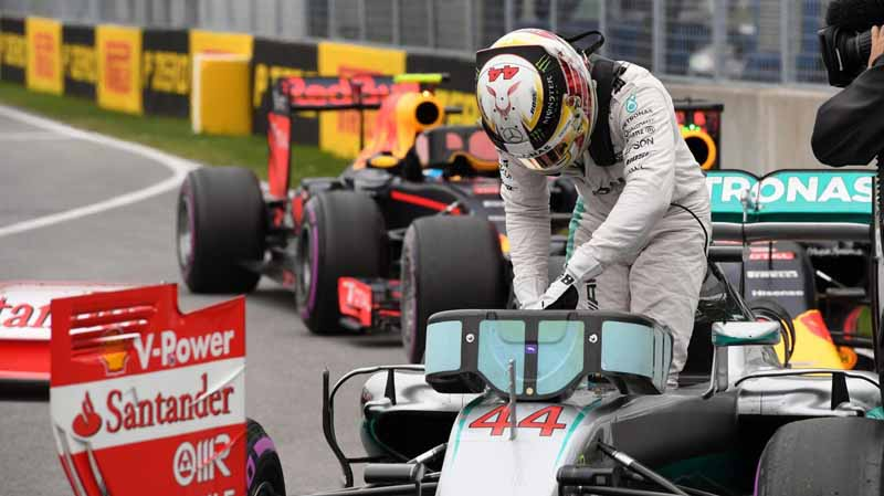 f1-canada-gp-qualifying-mercedes-in-pp-hamilton-1-and-2-honda-camp-10-12th20160612-14