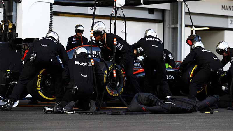 f1-european-gp-finals-rosberg-this-season-fifth-victory-to-protect-the-lead-from-the-pp-not-reach-the-winning-baton-11th20160621-1