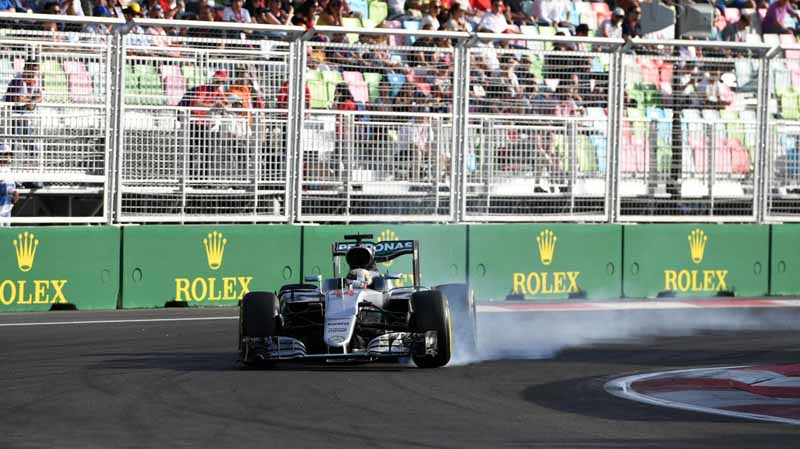 f1-european-gp-finals-rosberg-this-season-fifth-victory-to-protect-the-lead-from-the-pp-not-reach-the-winning-baton-11th20160621-35