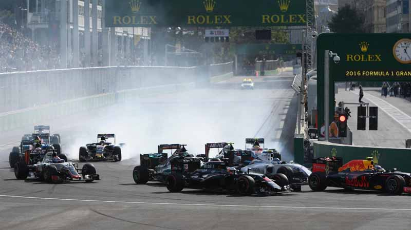 f1-european-gp-finals-rosberg-this-season-fifth-victory-to-protect-the-lead-from-the-pp-not-reach-the-winning-baton-11th20160621-40