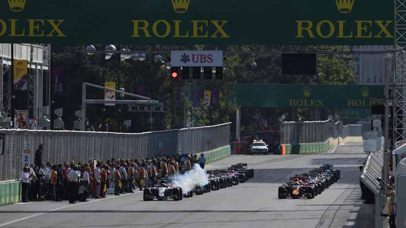 f1-european-gp-finals-rosberg-this-season-fifth-victory-to-protect-the-lead-from-the-pp-not-reach-the-winning-baton-11th20160621-46