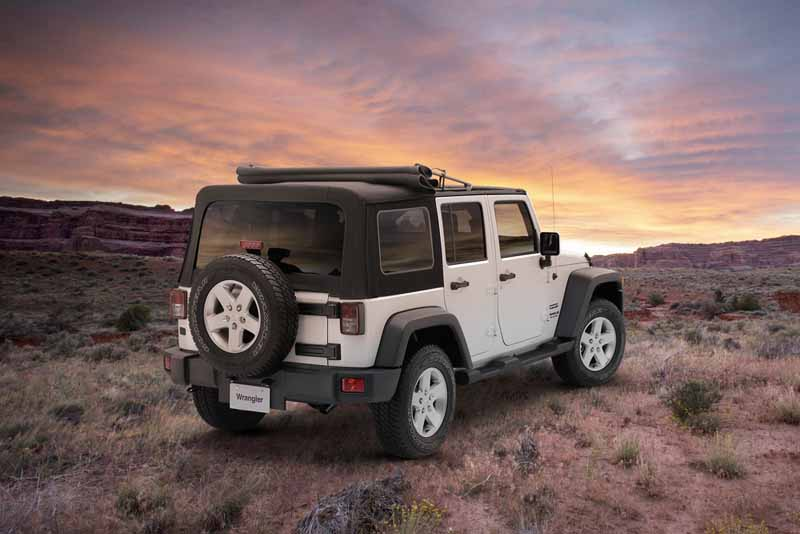 fca-japan-jeep-wrangler-unlimited-sport-soft-top-edition-release20160616-9