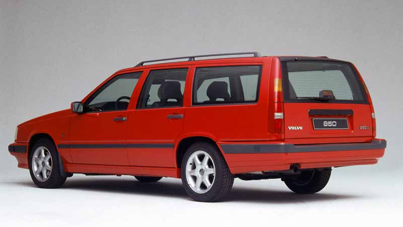 it-was-the-fame-of-the-name-of-volvo-models-volvo-850-launched-25-anniversary20160607-1