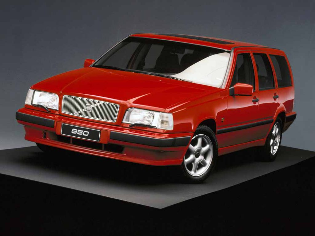 it-was-the-fame-of-the-name-of-volvo-models-volvo-850-launched-25-anniversary20160607-11