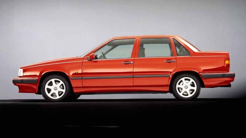 it-was-the-fame-of-the-name-of-volvo-models-volvo-850-launched-25-anniversary20160607-13
