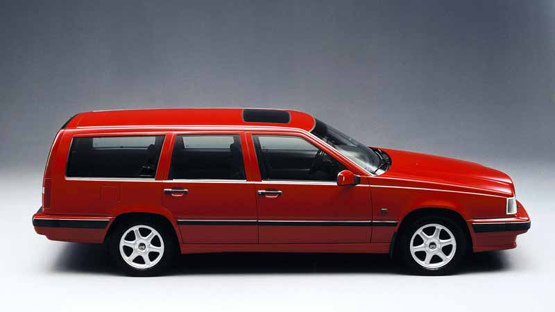 it-was-the-fame-of-the-name-of-volvo-models-volvo-850-launched-25-anniversary20160607-14