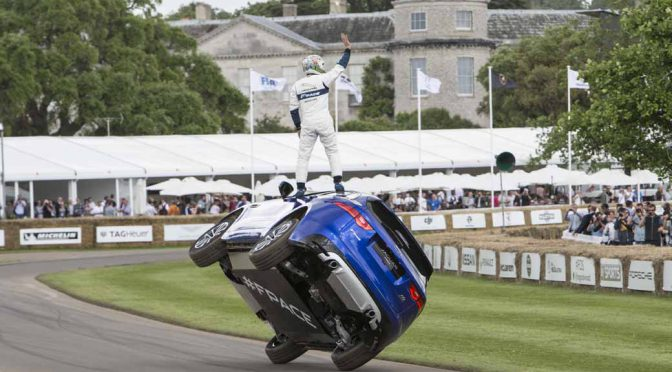 jaguar-f-pace-showing-off-a-thrilling-one-wheel-running-at-goodwood-festival-of-speed20160628-1