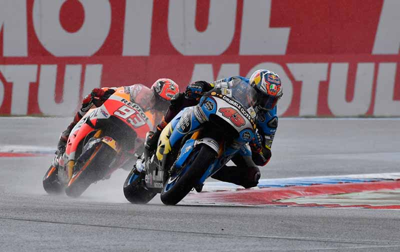 large-roughness-of-the-motogp-round-8-netherlands-mirror-first-win-overall-lead-of-marquez-second-place20160628-14