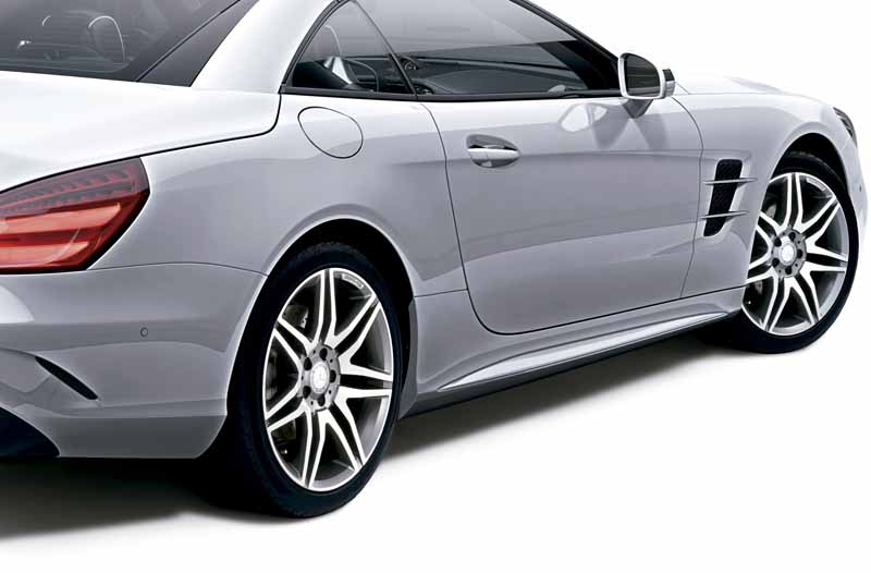 mercedes-benz-japan-launched-the-new-sl20160602-SL550-3
